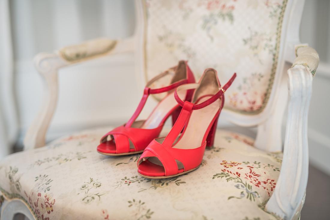chaussure de la mariée rouge